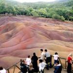 Pulau Mauritius Menakjubkan Dengan 7 Warna Pasir